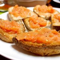 "Spanish Cuisine With Laura: ""Pà Amb Tomàquet, Pan Con Tomate"""