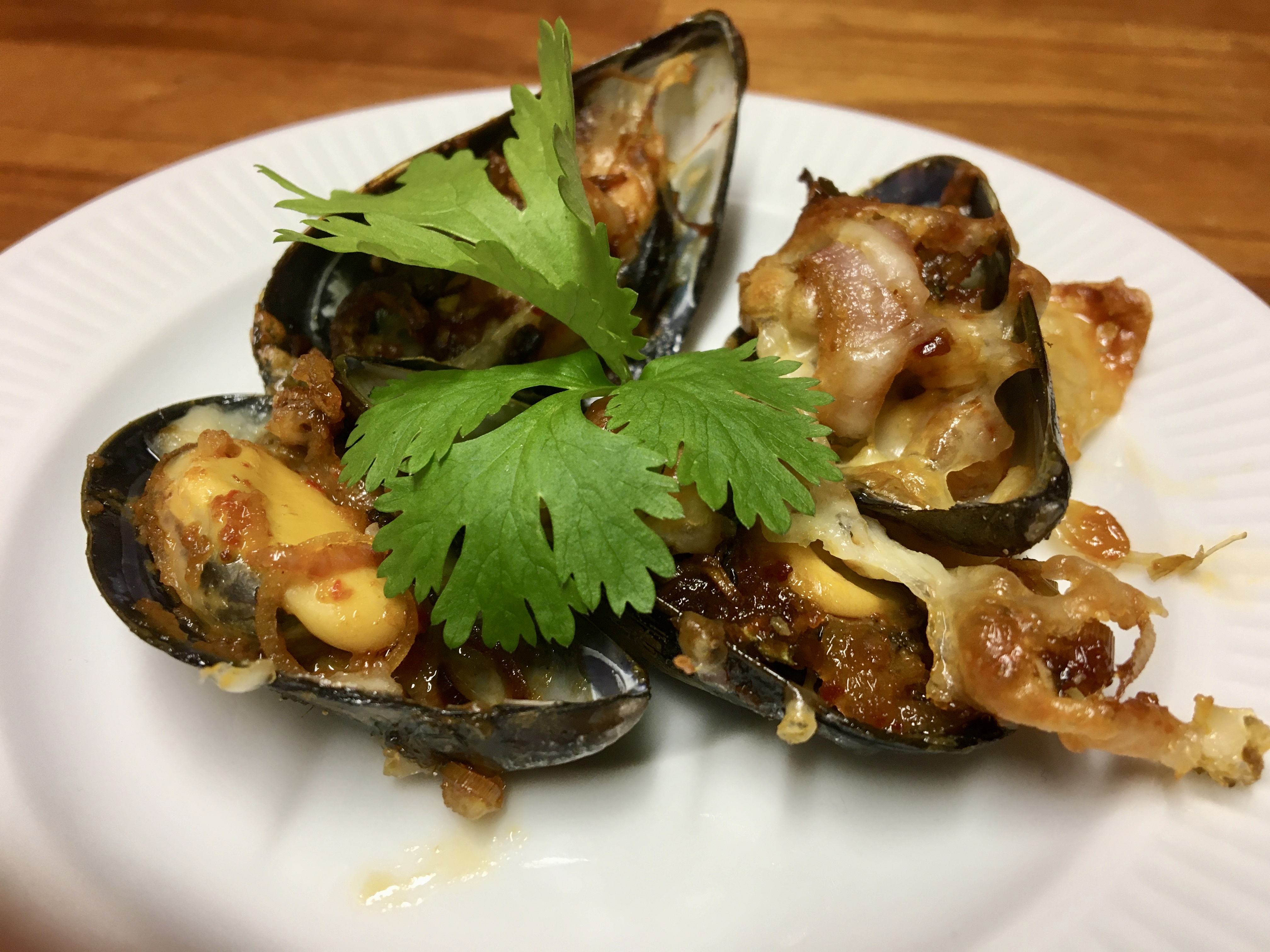 Thai With Kittykania – Thai Style Gratinated Mussels
